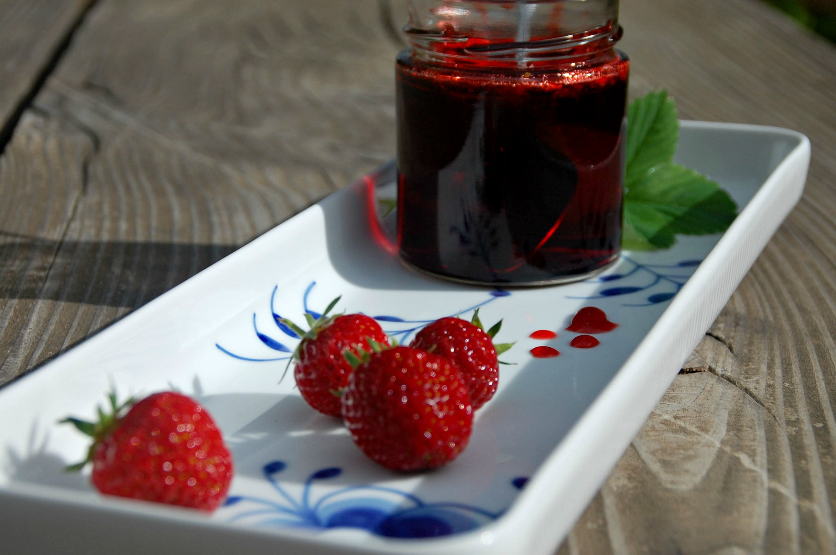 Hjemmelavet jordbærsirup