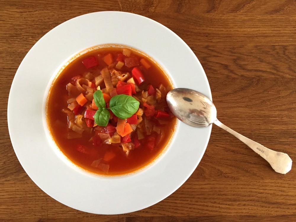 Grøntsagssuppe med chili