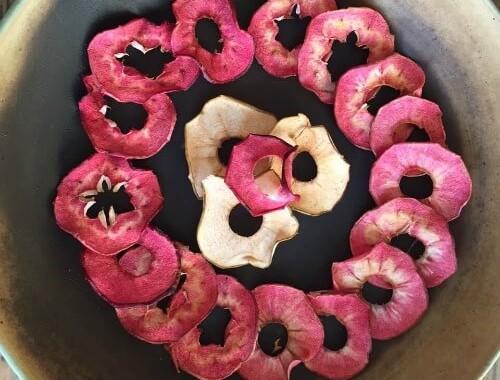 Tørrede æbleringe i ring