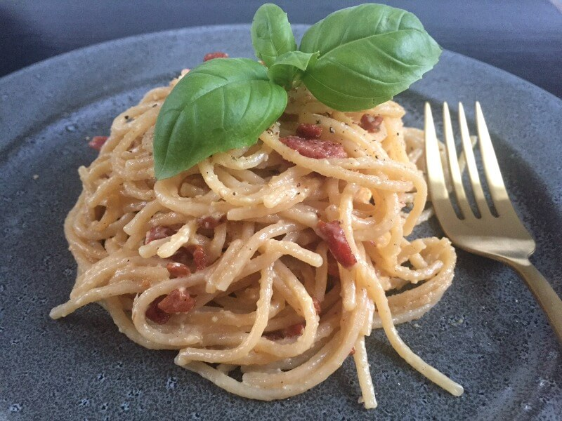 Spaghetti Carbonara Den Klassiske Italienske Pastaret