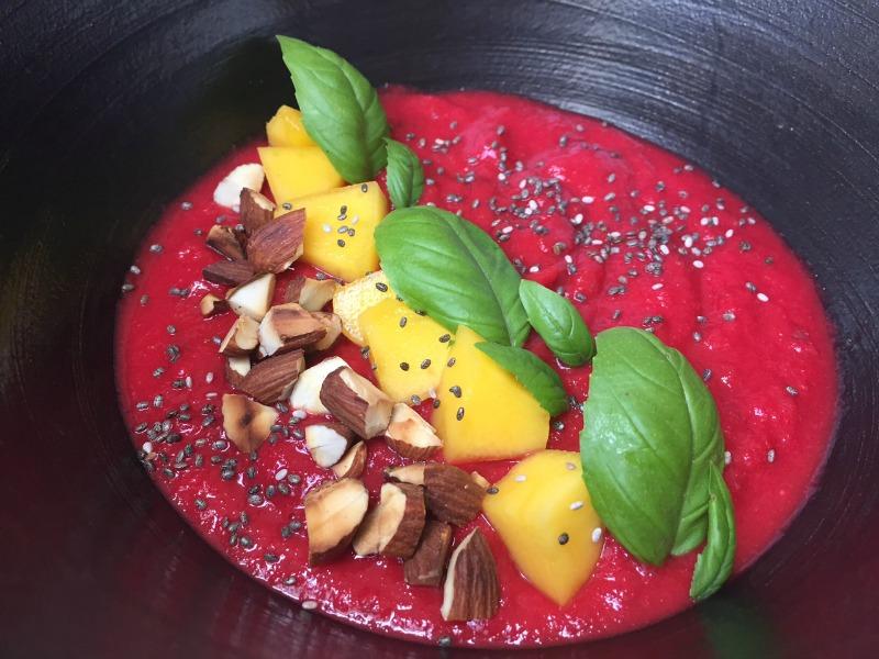 Blend med rødbede og mango