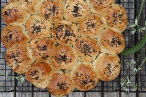 Brydebrød med ost og hvidløg