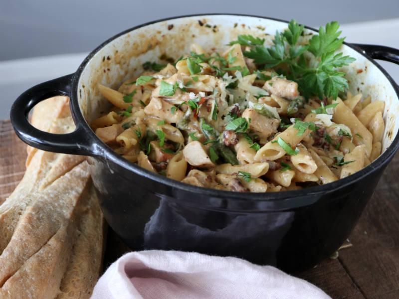 Nem og lækker one pot pasta med kylling