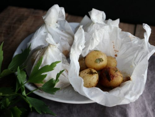 Kartoffelpakker med løvstikke