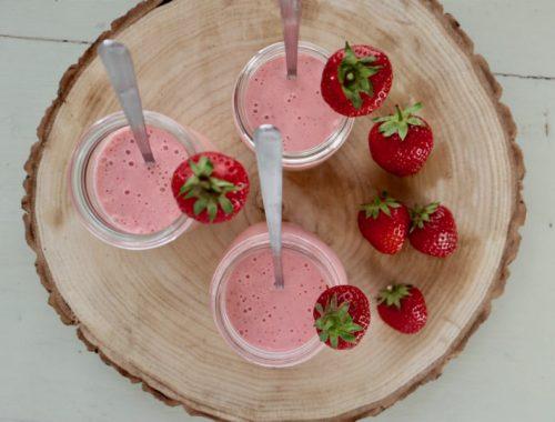 Jordbærmilkshake med hyldeblomst