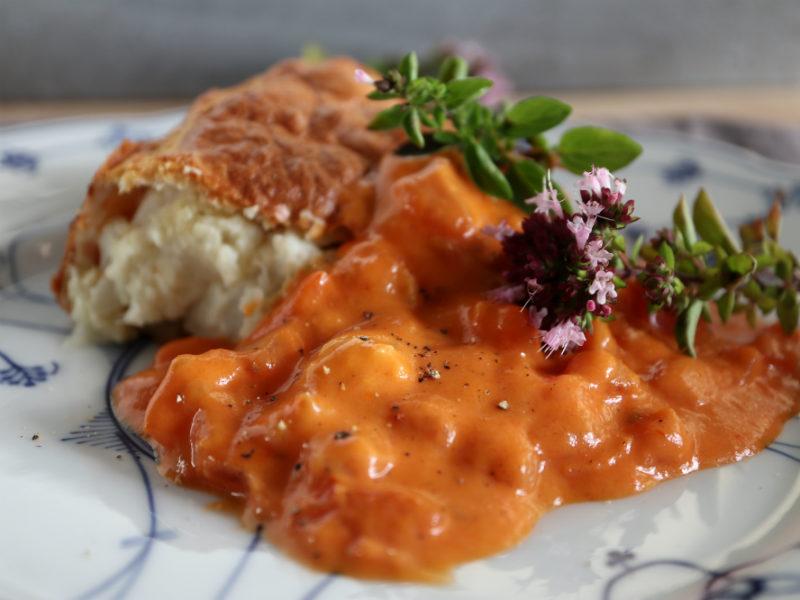 Blomkålsgratin med tomatsauce