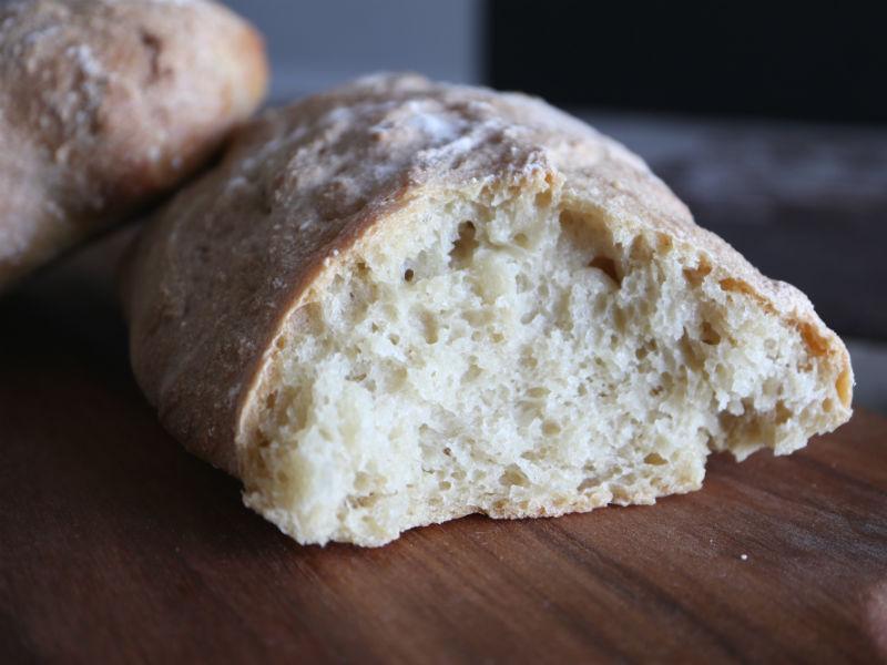Bag dit eget nemme rustikke brød