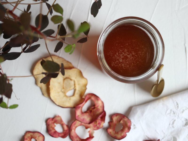 Hjemmelavet æblesirup med vanilje