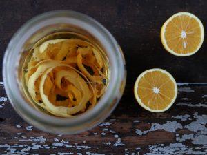 Lav din egen appelsinlikør