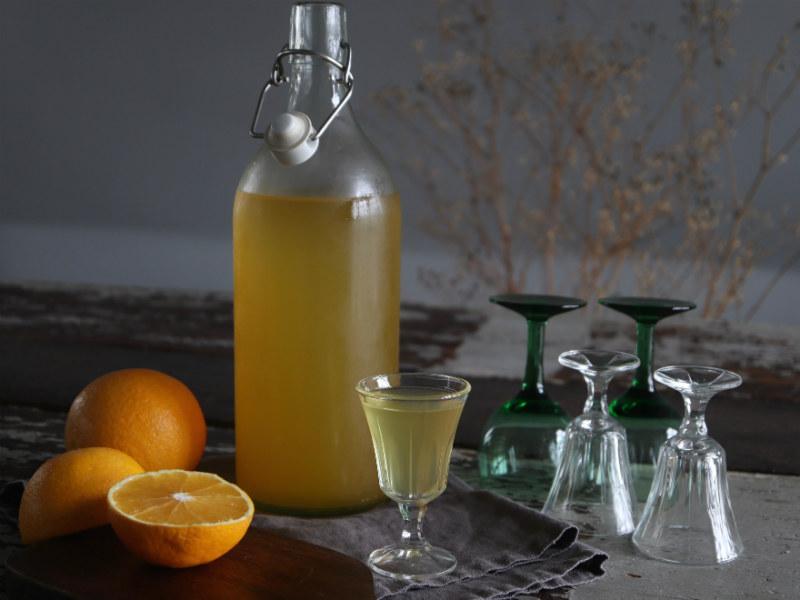 Hjemmelavet appelsinlikør