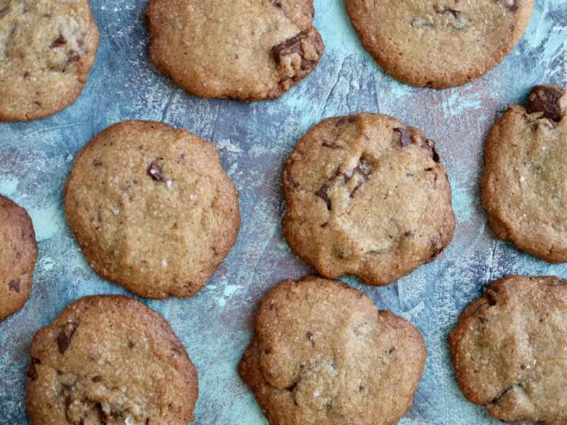 Saltede chocolate chip cookies