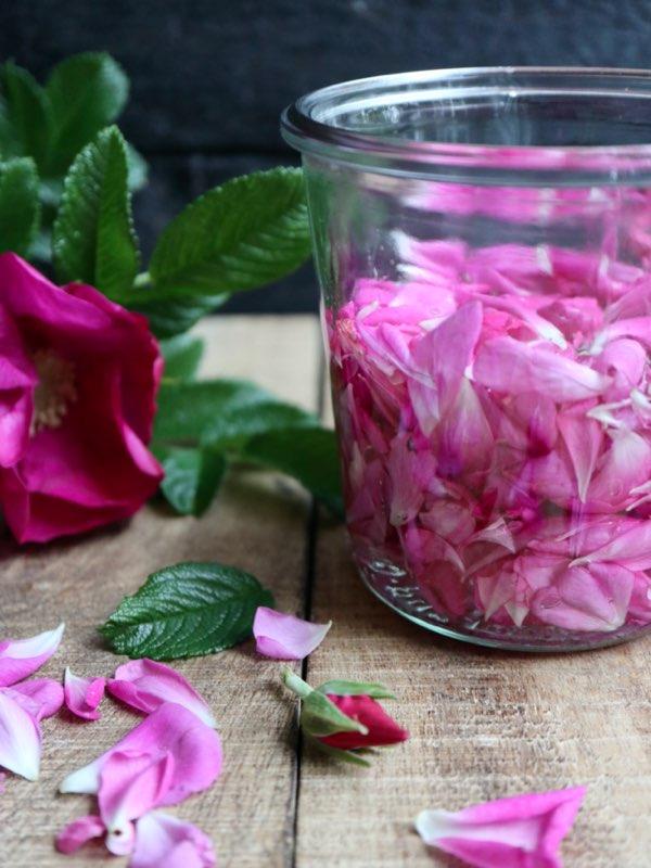 Syltede rosenblade