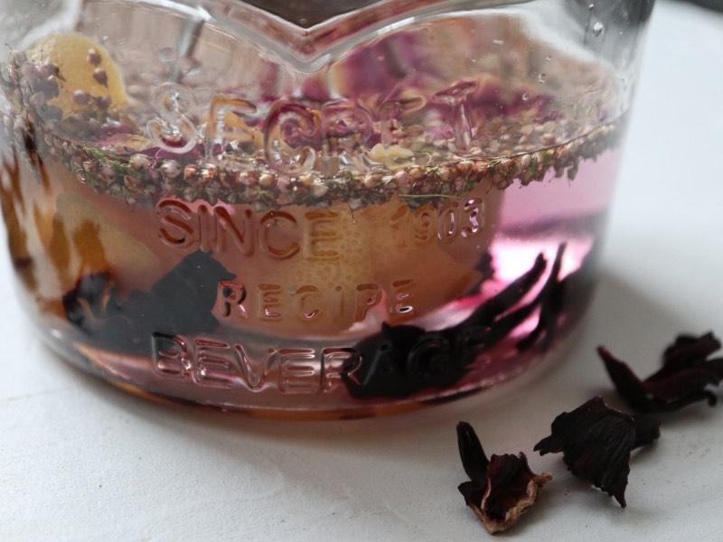 Hjemmelavet pink gin
